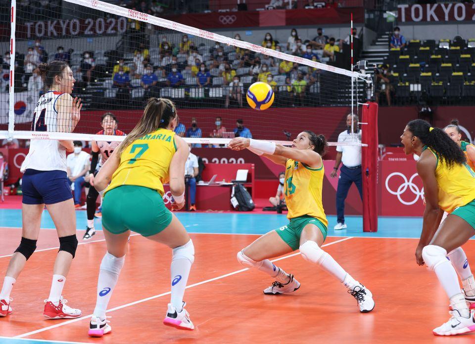 2020 도쿄 올림픽 여자 배구 준결승에서 한국과 브라질이 경기를 하고