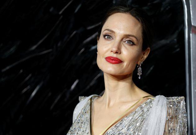 Angelina Jolie s'inscrit sur Instagram pour partager la lettre d'une jeune afghane (Angelina Jolie lors...