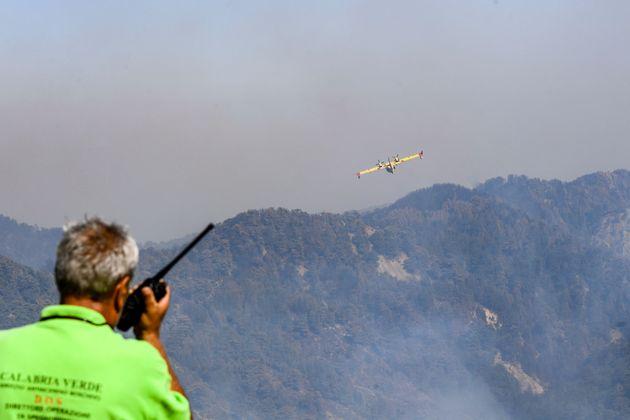 12/08/2021 San Luca (Rc), incendi boschivi in tutta la Calabria, colpito anche il Parco Nazionale dellÕAspromonte.