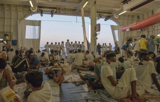 Geo Barents di Msf con i migranti a bordo