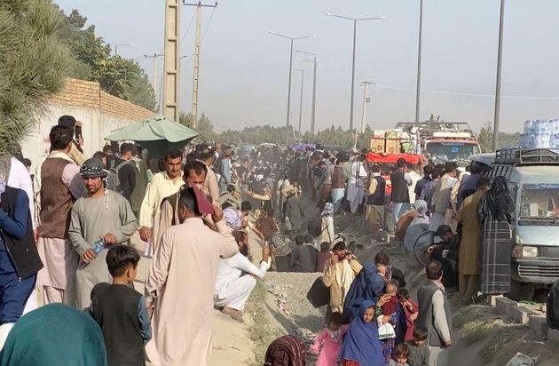 Pourquoi la date du 31 août est si cruciale pour l'évacuation en Afghanistan (Photo de personnes...