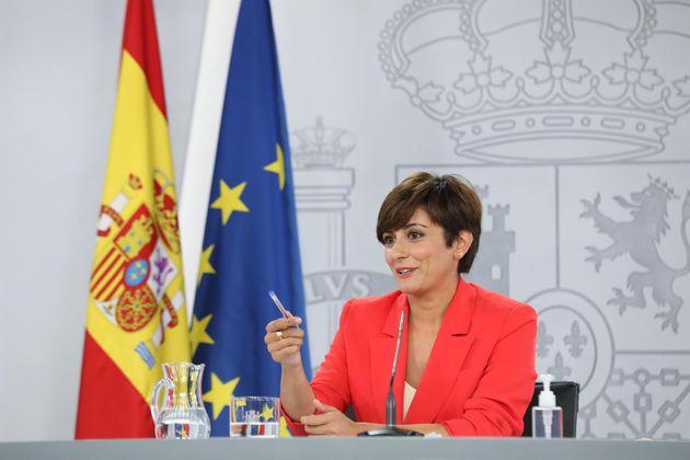 La ministra Portavoz, Isabel Rodríguez, interviene en una rueda de prensa posterior al Consejo de Ministros,...