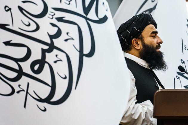 Il portavoce dei talebani Zabihullah Mujahid (MARCUS YAM / LOS ANGELES