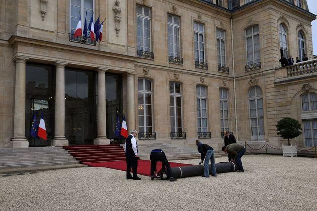 Les outsiders de la présidentielle font leur rentrée pour tenter de déjouer le duel...