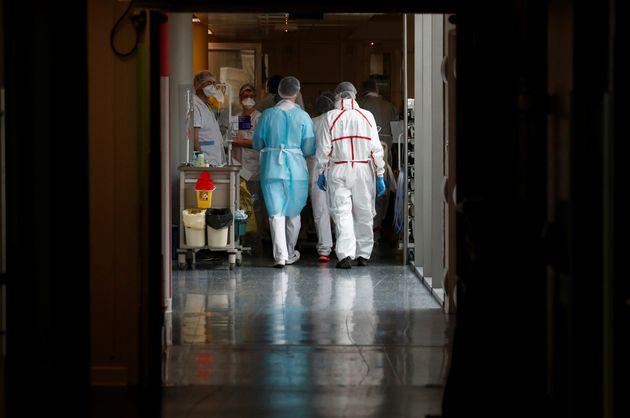 (Photo d'illustration prise à l'hôpital de Vannes en mars 2021 par REUTERS/Stephane