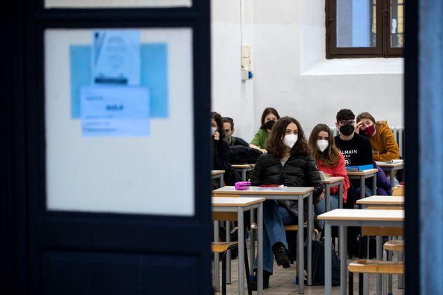Studenti nelle classi del Liceo Visconti a piazza del Collegio Romano a Roma, 18 gennaio 2021 ANSA/MASSIMO PERCOSSI