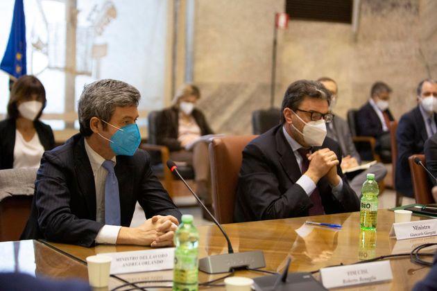 Un momento dell'incontro convocato al Mise sull'ex Ilva tra il ministro dello Sviluppo economico, Giancarlo Giorgetti, ed il ministro del Lavoro, Andrea Orlando, con i sindacati, Roma, 26 marzo 2021. ANSA/ UFFICIO STAMPA +++ ANSA
