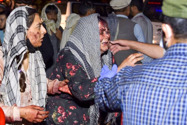 Dos mujeres, ensangrentadas tras resultadas heridas por las