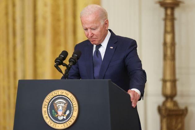 En quelques semaines seulement, le déroulé des événements en Afghanistan a grandement fragilisé Joe Biden...