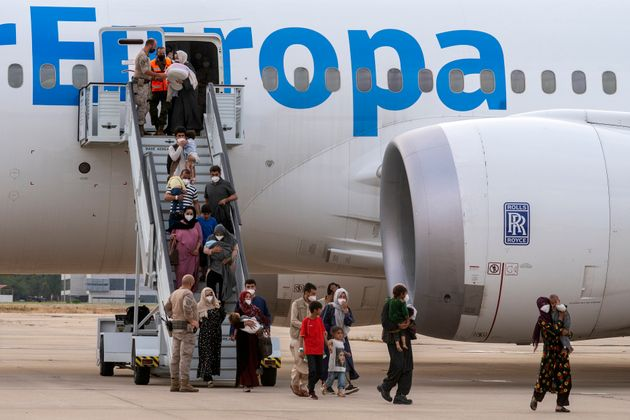 Familiares de los colaboradores afganos evacuados desde