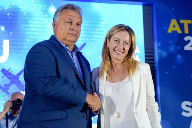 ISOLA TIBERINA, ROME, ITALY - 2019/09/21: Giorgia Meloni greets the Hungarian Prime Minister Viktor Orban, who spoke during the Atreju 2019, the annual meeting of the right-wing political party Fratelli d'Italia in Rome. (Photo by Vincenzo Nuzzolese/SOPA Images/LightRocket via Getty Images)