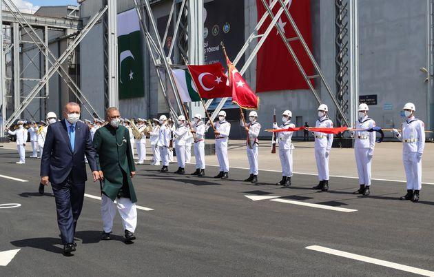 15 Αυγούστου 2021  Ο πρόεδρος της Τουρκίας μαζί με τον πακιστανό ομόλογό του. Ο Ερντογάν δήλωσε ότι από κοινού με θα δουλέψουν για τη σταθερότητα στο Αφγανιστάν