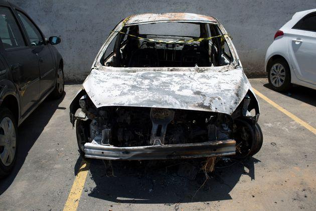 To απανθρακωμένο αυτοκίνητο...