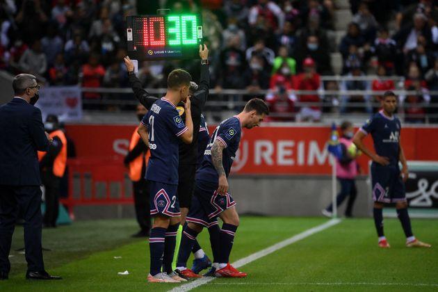 Lionel Messi, ici effectuant son entrée en jeu lors de Remis-PSG en Ligue 1, le 29 août