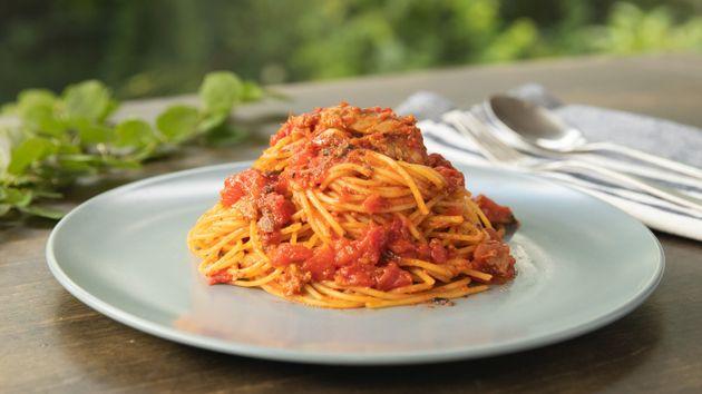 災害時にも安心!クルマの電気でつくる超簡単サバのトマトソースパスタ