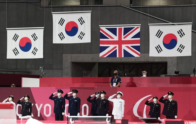 도쿄패럴림픽 탁구 시상식에 올라가는
