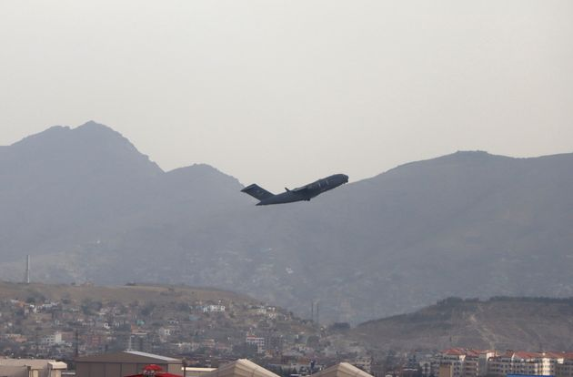 <strong>A US military aircraft takes off from the Hamid Karzai International Airport in Kabul.</strong>