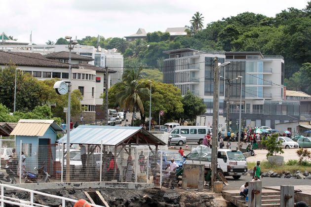 À Mayotte, Darmanin veut encore restreindre l'attribution de la nationalité française...