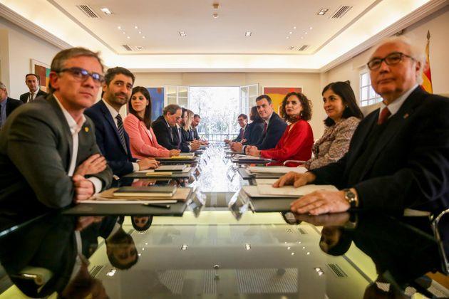 Primera mesa de diálogo entre el Gobierno y