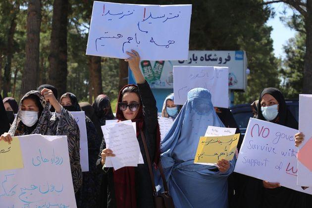 Le donne di Herat scendono in piazza:
