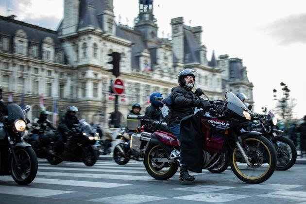 Des motards, ici manifestantcontre le stationnement payant pour les deux-roues à Paris, le 6 décembre 2020.