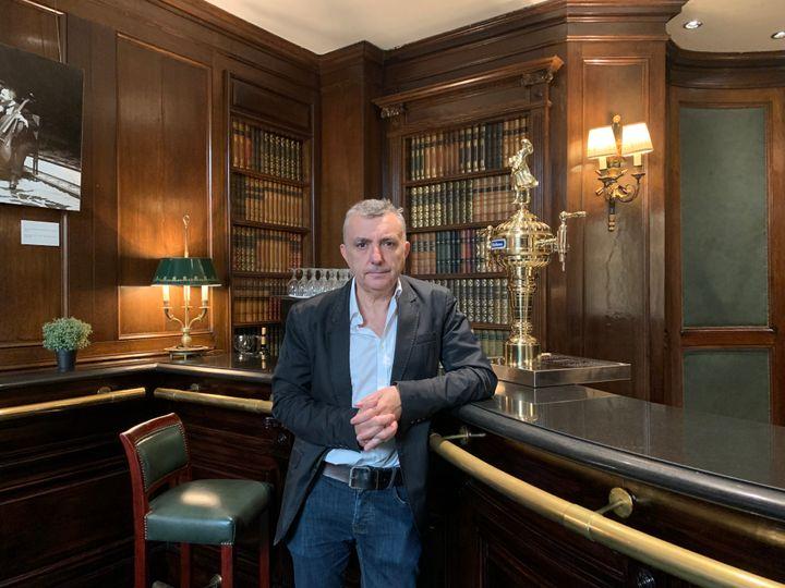 El escritor Manuel Vilas en el hotel Palace de Madrid.