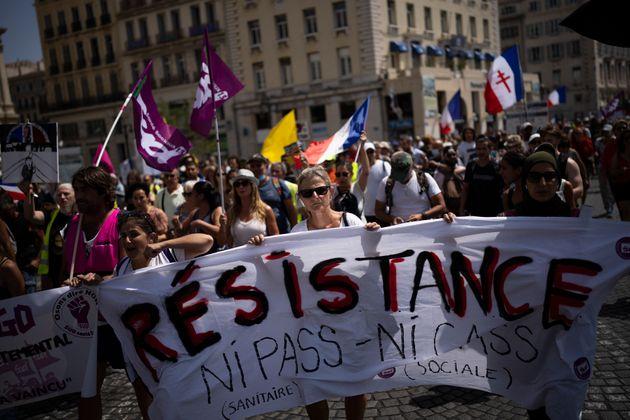 Une manifestation anti-pass sanitaire à Marseille, le 14 août