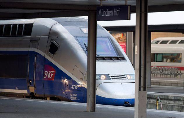 Les voyages en train seront gratuits pour les policiers à partir de 2022. (photo