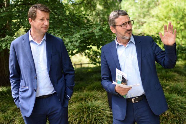 L'eurodéputé Yannick Jadot et le député ex-LREM Matthieu Orphelin à...