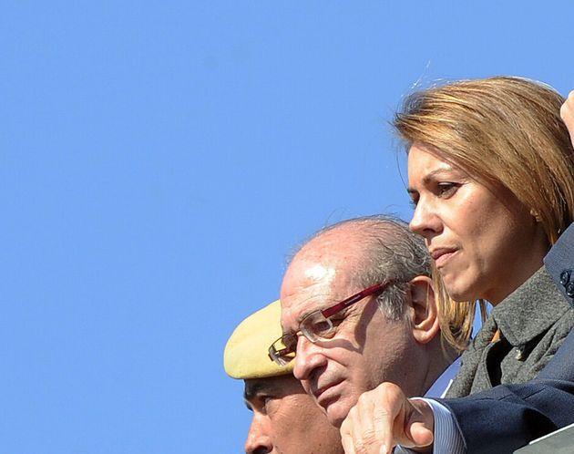 Jorge Fernández Diaz y María Dolores de Cospedal, en un acto militar en