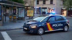 La Policía revisa cámaras e interroga testigos para dar con los autores de la agresión homófoba de