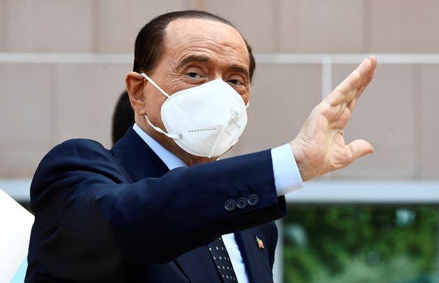 Ruby ter: niente perizia per Berlusconi, da fissare una nuova udienza