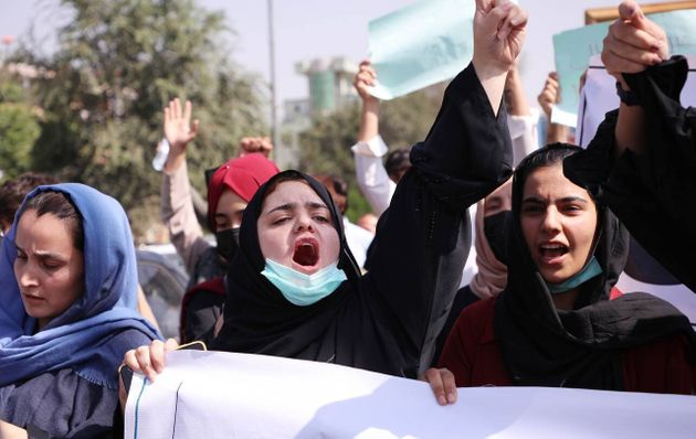 Women shouting in Kabul before the Taliban suppressed the