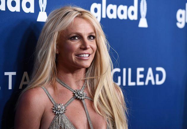 Le père de Britney Spears demande officiellement la fin de sa tutelle (photo de la chanteuse d'avril