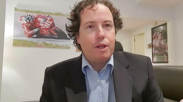 Jorge Lis, en uno de sus vídeos de