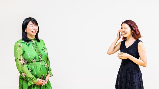 泉谷由梨子編集長(左)と能條桃子さん【撮影:坪池順】