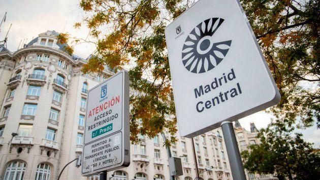 Carteles de Madrid Central en la