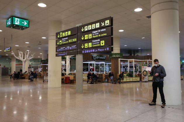 Interior de la terminal de El