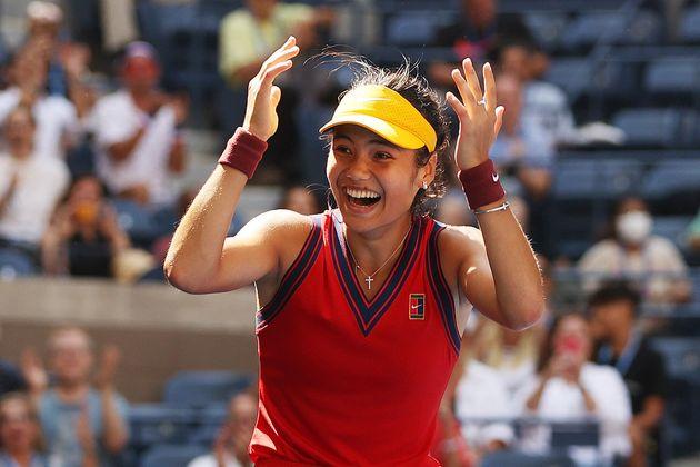 Emma Raducanu celebrates match point against Belinda