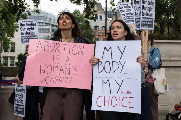 Mujeres en una manifestación pro aborto, en solidaridad con