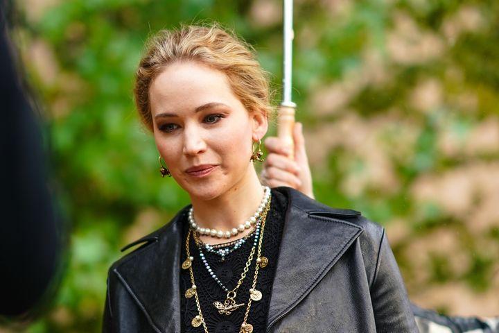 Jennifer Lawrence en la Paris Fashion Week 2020.