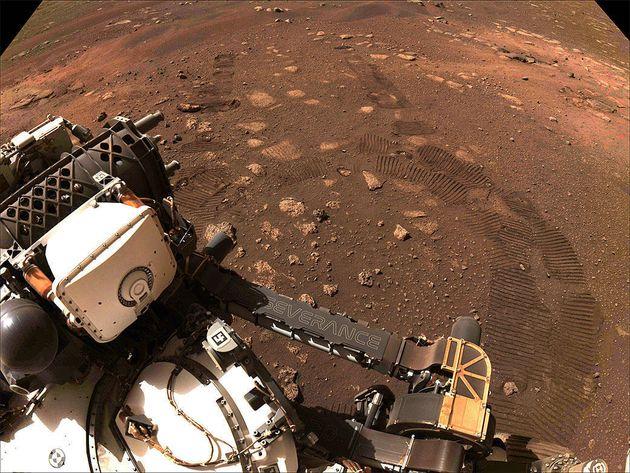 Cette image a été prise lors du premier entraînement du rover Perseverance de la NASA sur Mars le 4 mars...