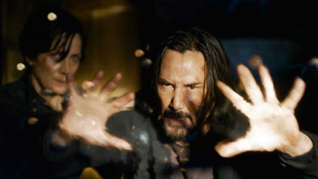 Blue-Pilled Keanu Reeves Plugs Back Into First 'The Matrix Resurrections' Trailer.jpg