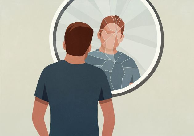 Signs Your Boss Might Be A Narcissist (And How To Deal With It)