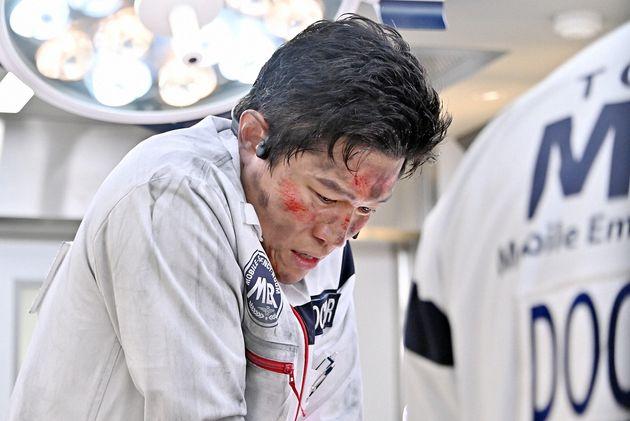 チーフドクターの喜多見幸太役を演じる鈴木亮平さん
