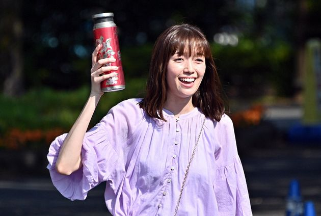演じる喜多見の妹の涼香役を演じた佐藤栞里さん