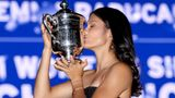 NEW YORK, NEW YORK - SEPTEMBER 11: Emma Raducanu of Great Britain poses with the championship trophy after defeating Leylah Annie Fernandez of Canada during their Women's Singles final match on Day Thirteen of the 2021 US Open at the USTA Billie Jean King National Tennis Center on September 11, 2021 in the Flushing neighborhood of the Queens borough of New York City. (Photo by Matthew Stockman/Getty Images)