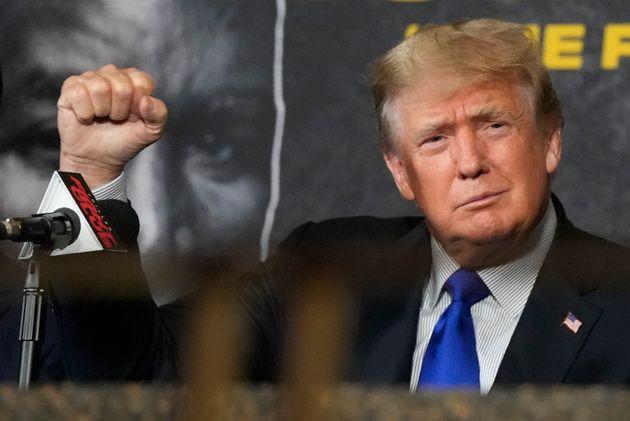 Samedi 11 septembre, en Floride, l'ancien président des États-Unis Donald Trump commentait...