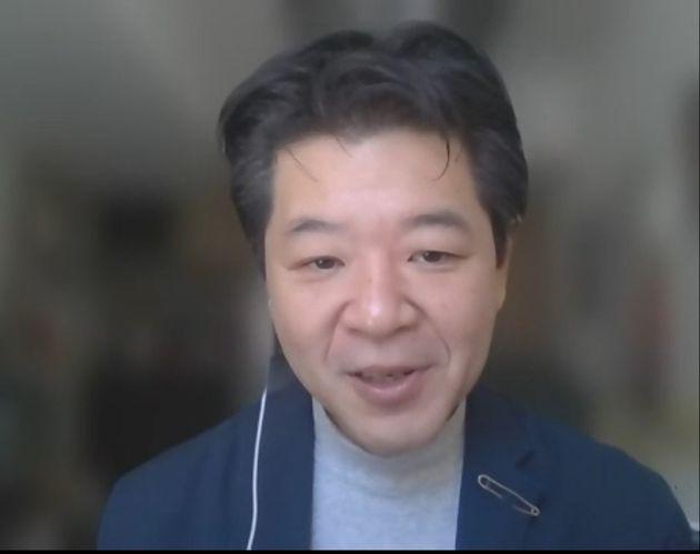 オンラインで取材に応じる同志社大の吉田徹教授