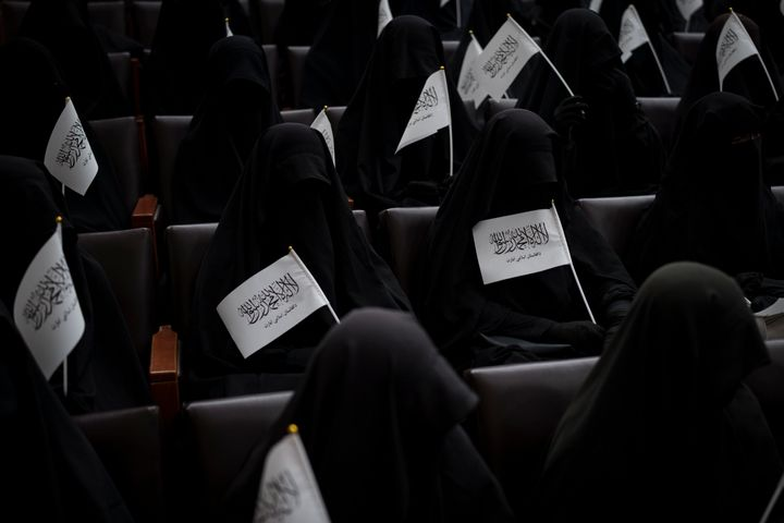 Taliban: women can study at gender-segregated universities with dress code